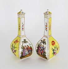 A pair of Dresden vases, 20th Century, of mallet