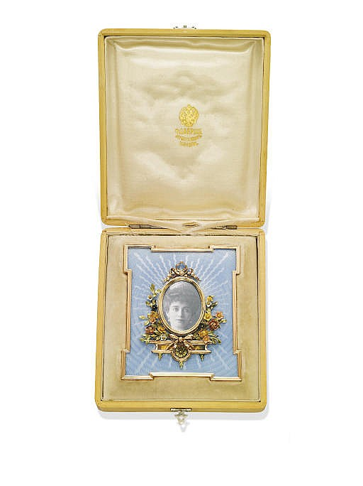 **AN ANTIQUE GOLD AND ENAMEL FRAME, BY FABERGÉ