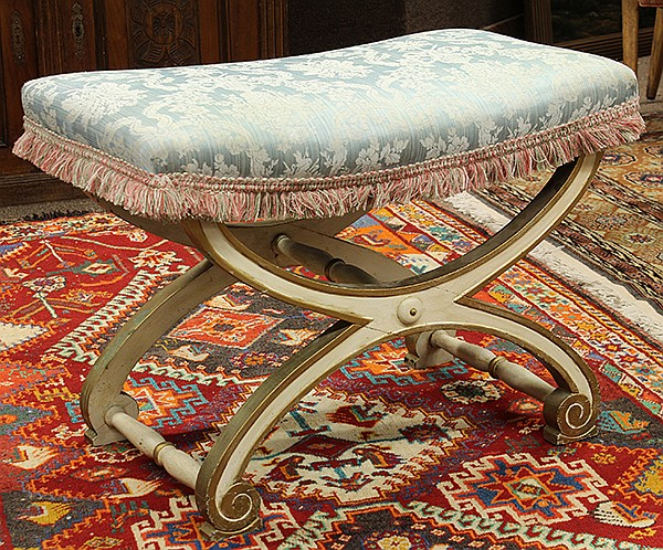 Neoclassical style parcel gilt wndow bench