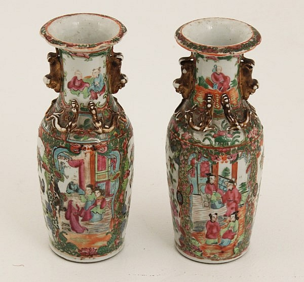 PAIR OF 19TH C. ROSE MEDALLION CABINET VASES
