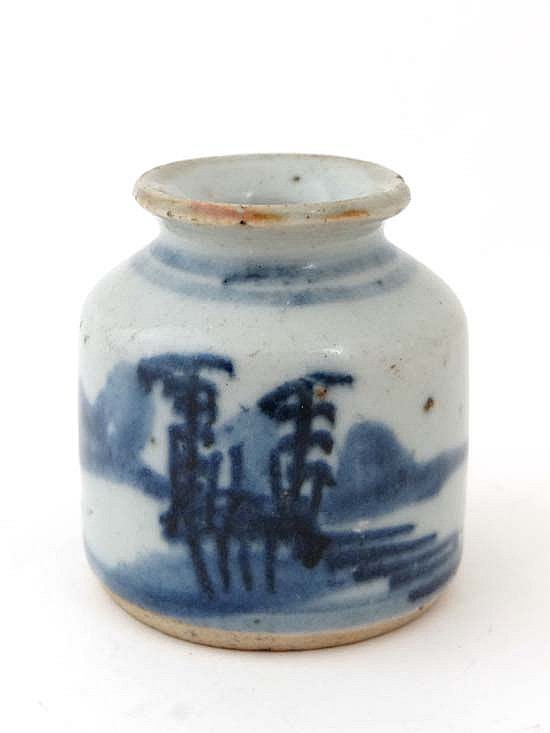 A 19thC Chinese blue and white hand painted
