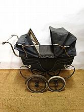 Silver Cross Pram : A vintage coach built