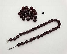 Vintage beads : A string of cherry amber Bakelite