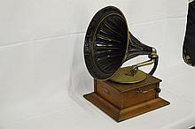 Royal Talking Machine Rear Mount Disc Phonograph