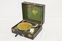 Carryola Porto-Pick-Up Suitcase Disc Player