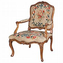 Louis XV Tapestry Upholstered Beechwood Fauteuil a la Reine