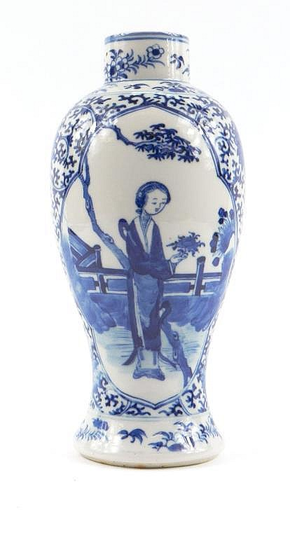 Chinese porcelain baluster vase painted in