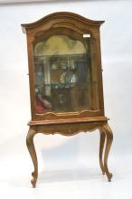 GILT VITRINE DISPLAY CASE WITH SIDE DOORS