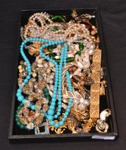 ASSORTED COSTUME JEWELRY BEADS, NECKLACES ,