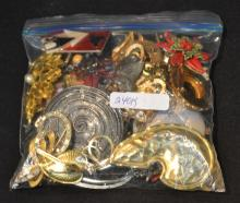 ASSORTED COSTUME JEWELRY PINS