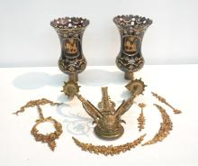 CARVED BRONZE SCONCE WITH GARLAND ELEMENTS