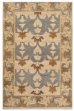 ORIENTAL RUG: ARTS AND CRAFTS DESIGN 5'6