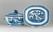 LARGE CHINESE EXPORT BLUE AND WHITE CANTON PORCELAIN COVERED SOUP TUREEN Accompanied by an undertray, 11.25