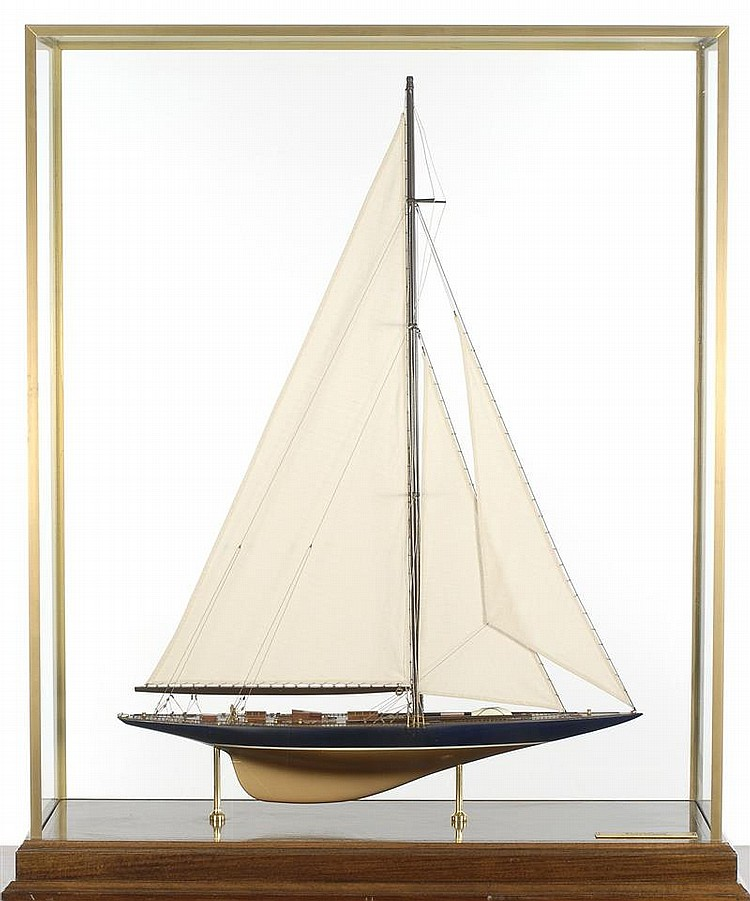 CASED MODEL OF THE J-CLASS YACHT ENDEAVOUR Finely planked deck with caulking, turned brass winches, linen sails, carefully executed...