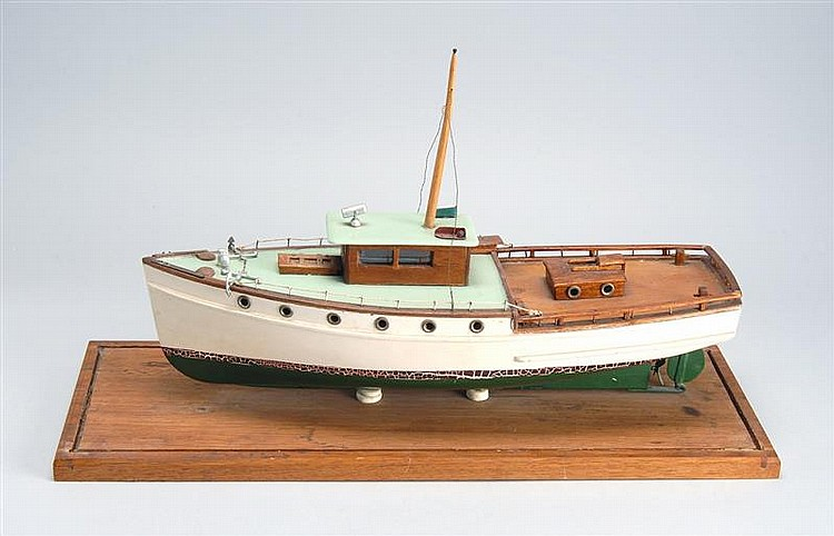 MOTOR YACHT MODEL Height 10