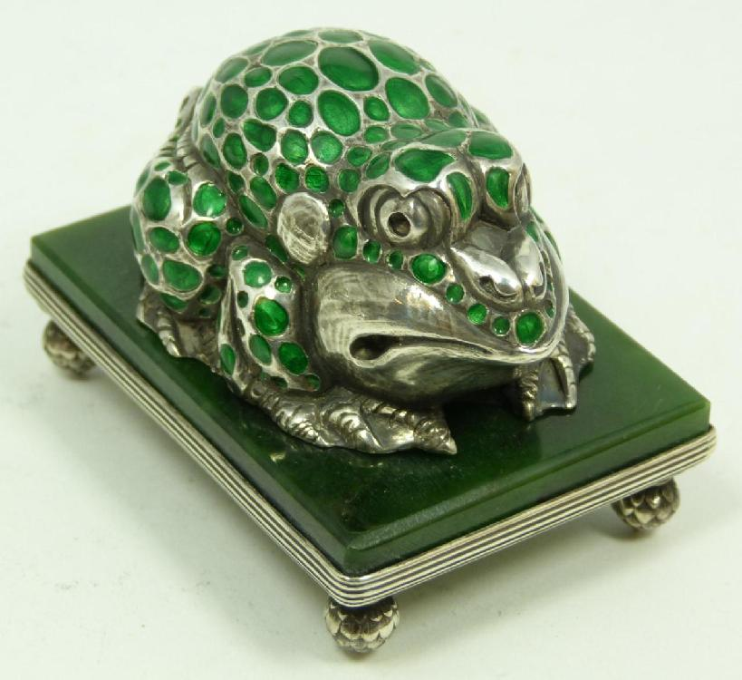 RUSSIAN SILVER FROG ON JADE BASE