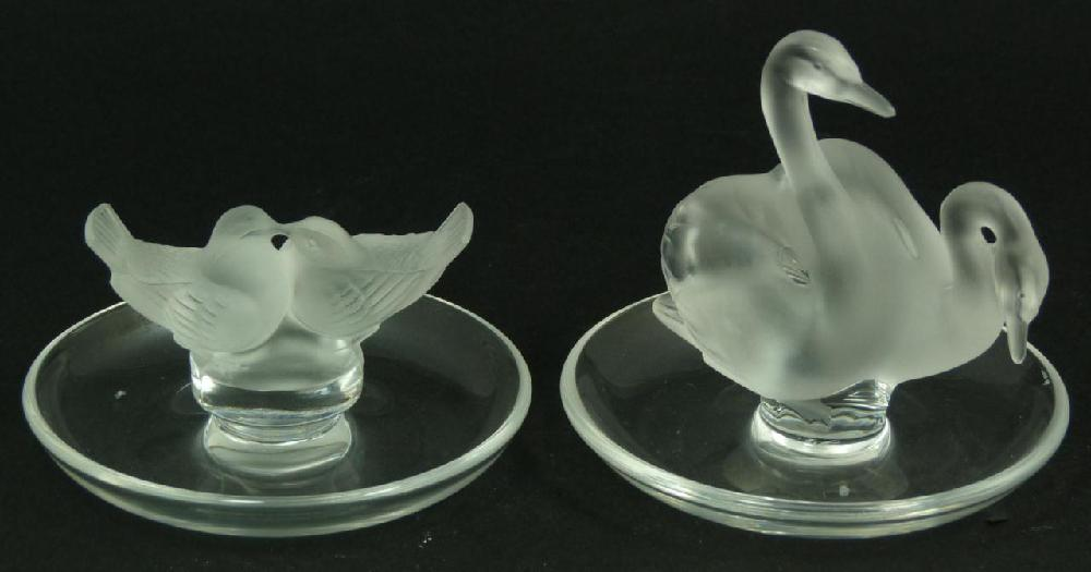 2 LALIQUE FRENCH CRYSTAL SWAN & BIRD PIN TRAYS