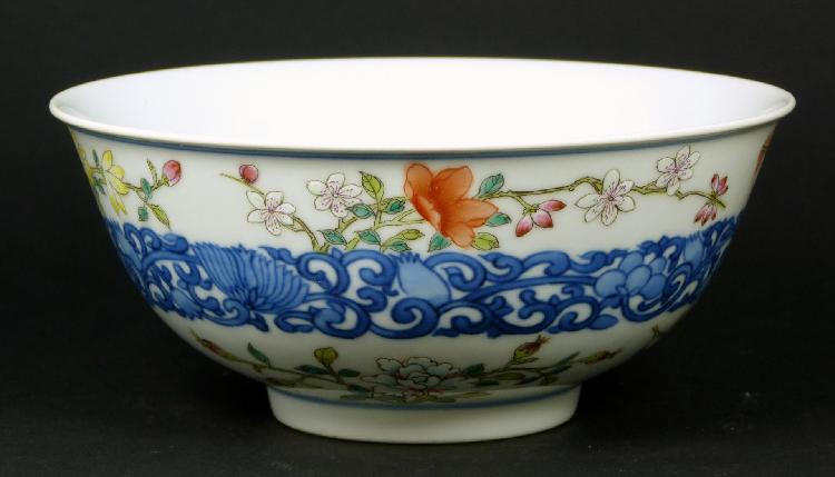19th C. CHINESE FAMILLE ROSE PORCELAIN BOWL