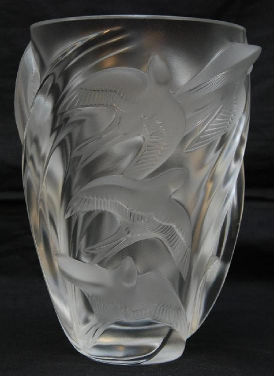 LALIQUE FRANCE CRYSTAL 'MARTINETS' VASE