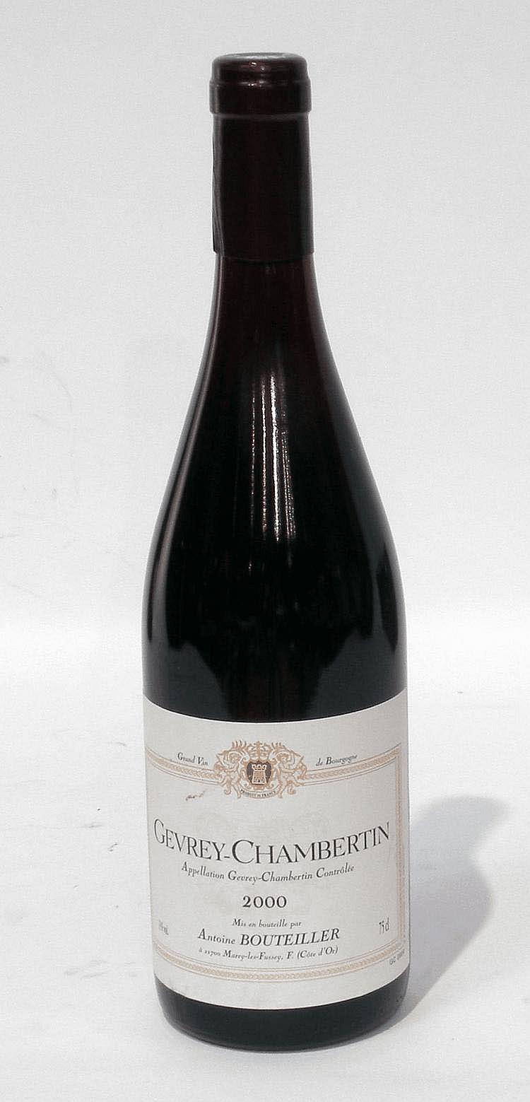 12 Bouteilles de GEVREY-CHAMBERTIN, Antoine Bouteiller (rouge) 2000.