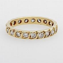 Memoire Ring mit 20 Diam.-Brill. zus. ca. 0,80ct., W/SI.