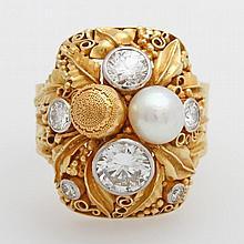 J.M. WILM Damenring, wohl 1950er Jahre, feine Handarbeit mit floralen blattförmigen Elementen, besetzt mit 6 Diamanten zus. ca. 1,9 cts, TW- W/ VSI- SI