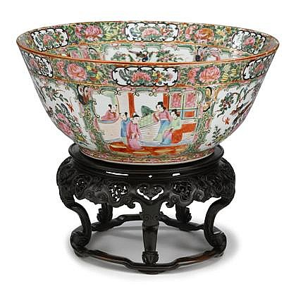Chinese Export porcelain Rose Mandarin punch bowl, mid 19th century, Decorated with panels of courtiers in a garden and birds and flowe