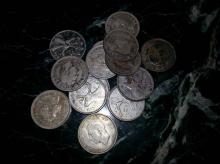 14 CANADIAN SILVER QUARTERS - $3.50 FACE VALUE INCLUDING 3 IN THE 1930S