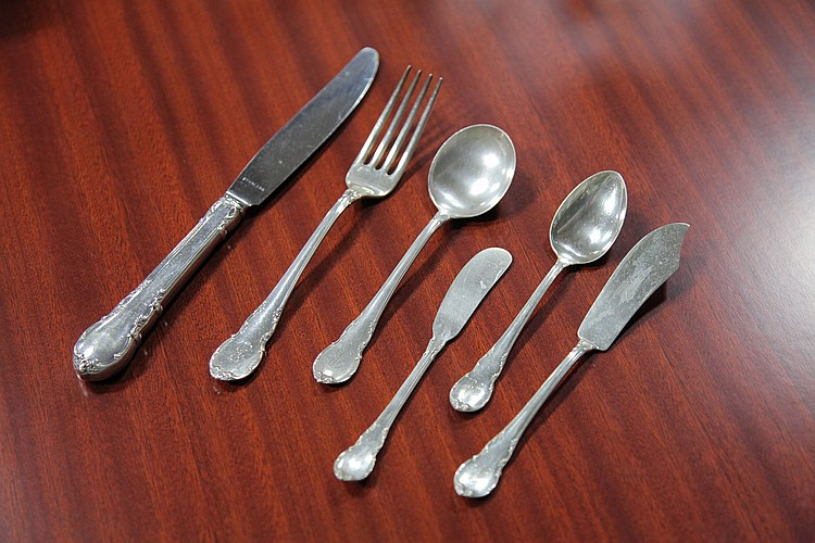 SET OF LUNT STERLING SILVER FLATWARE.