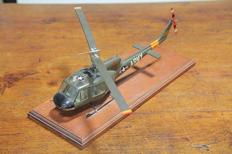 TOPPING MODEL HELICOPTER.