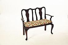 CHILD'S SIZE QUEEN ANNE-STYLE SETTEE.