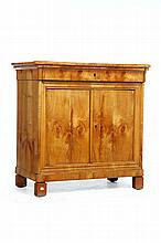 BIEDERMEIER COMMODE.