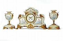 THREE PIECE GARNITURE SET.