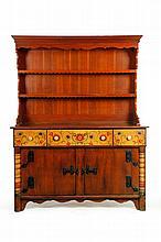 Country Americana: Painted Furniture & Folk Art