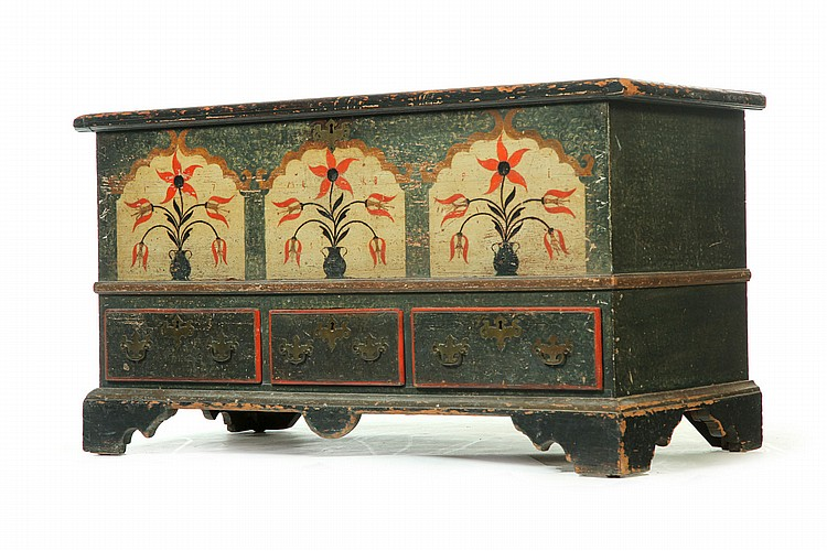 DECORATED CHIPPENDALE BLANKET CHEST.