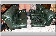 Traditional Green Leather 3 Piece Reclining Suite.