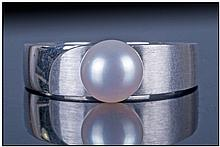German 8ct White Gold Pearl Ring, Set with a