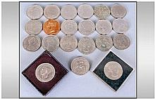 Box Of 20 English Crowns From 1951 To 1981.