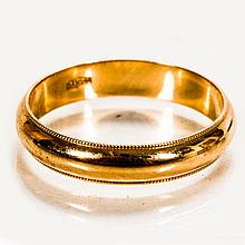 A 14kt. Yellow Gold Ring, 20th Century.