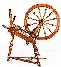 An American Vintage Oak Spinning Wheel, 19th/20th Century.