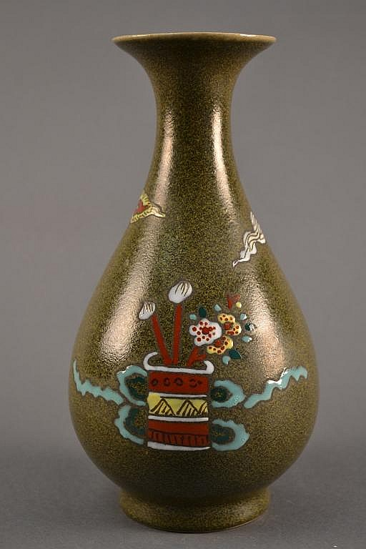 Chinese Tea-Dust Green Vase