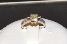 18kwg Princess Diamond Engagement Ring