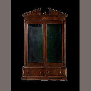 21ST CENTURY ANTIQUES A GLASS-FRONTED GEORGIAN STYLE DOUBLE GUN CABINET,