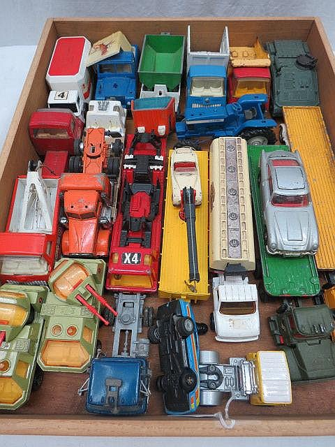 A quantity of model commercial and military