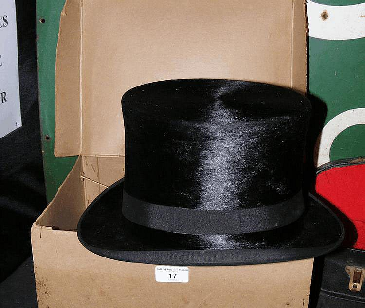 An original Lincoln Bennett & Co. top hat with box