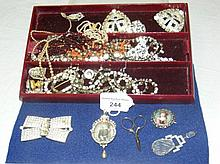 A selection of good quality costume jewellery