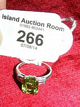 A lady's attractive baguette cut peridot and