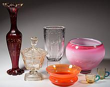ASSORTED STUDIO AND OTHER GLASS ARTICLES, LOT OF SEVEN