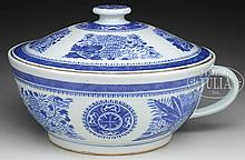CHINESE EXPORT PORCELAIN CHAMBER POT.