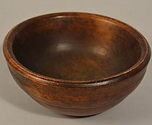 SMALL 19TH CENT. N.E. TURNED WOODEN BOWL